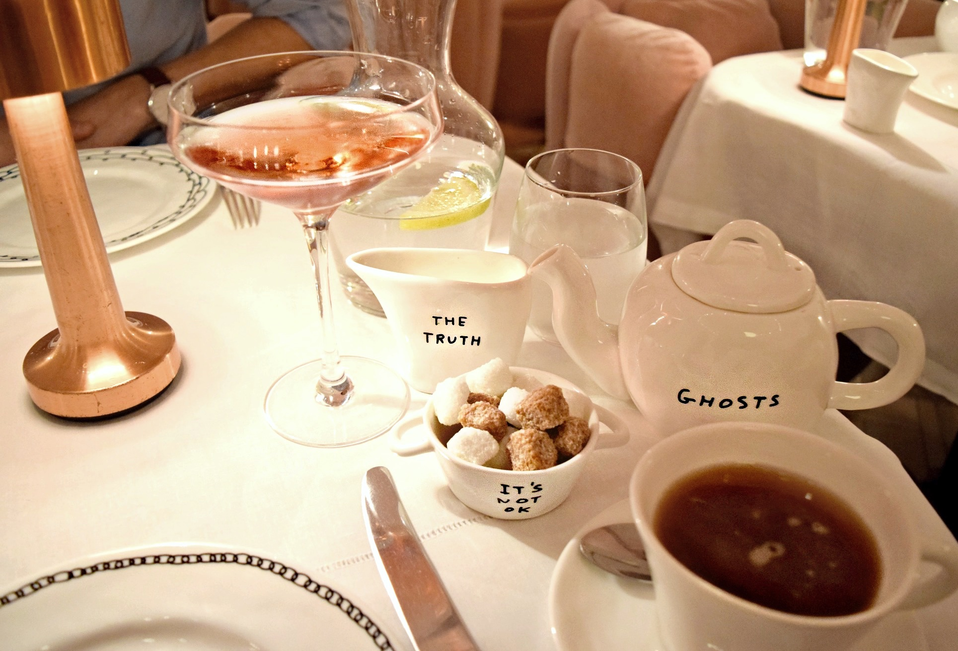 London, England Snapshots // Sketch Restaurant Afternoon Tea // London Travel Diary // Los Angeles Fashion Blogger Daphne Blunt: To Style, With Love