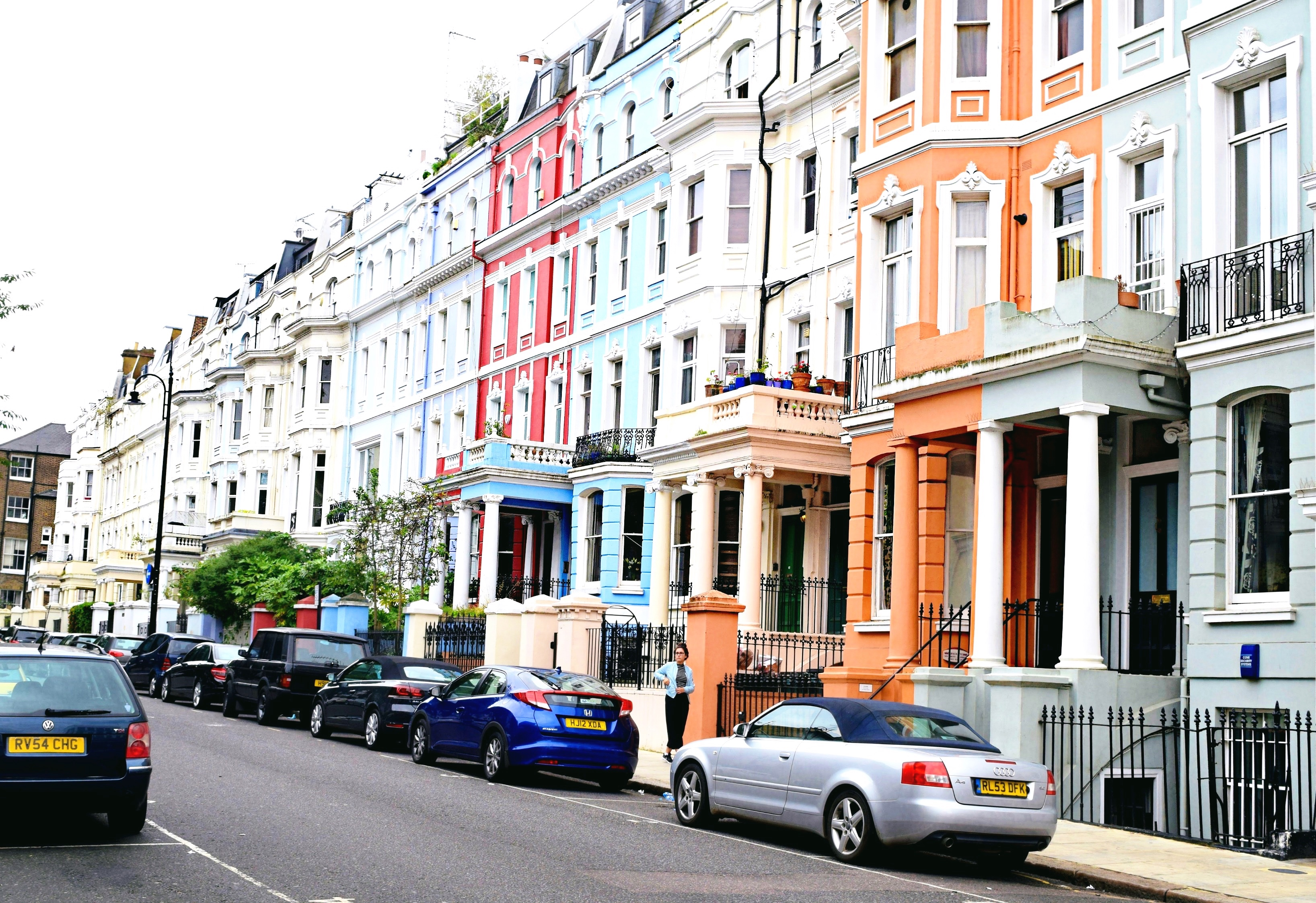 London, England Snapshots // Colorful Row Houses Notting Hill // London Travel Diary // Los Angeles Fashion Blogger Daphne Blunt: To Style, With Love