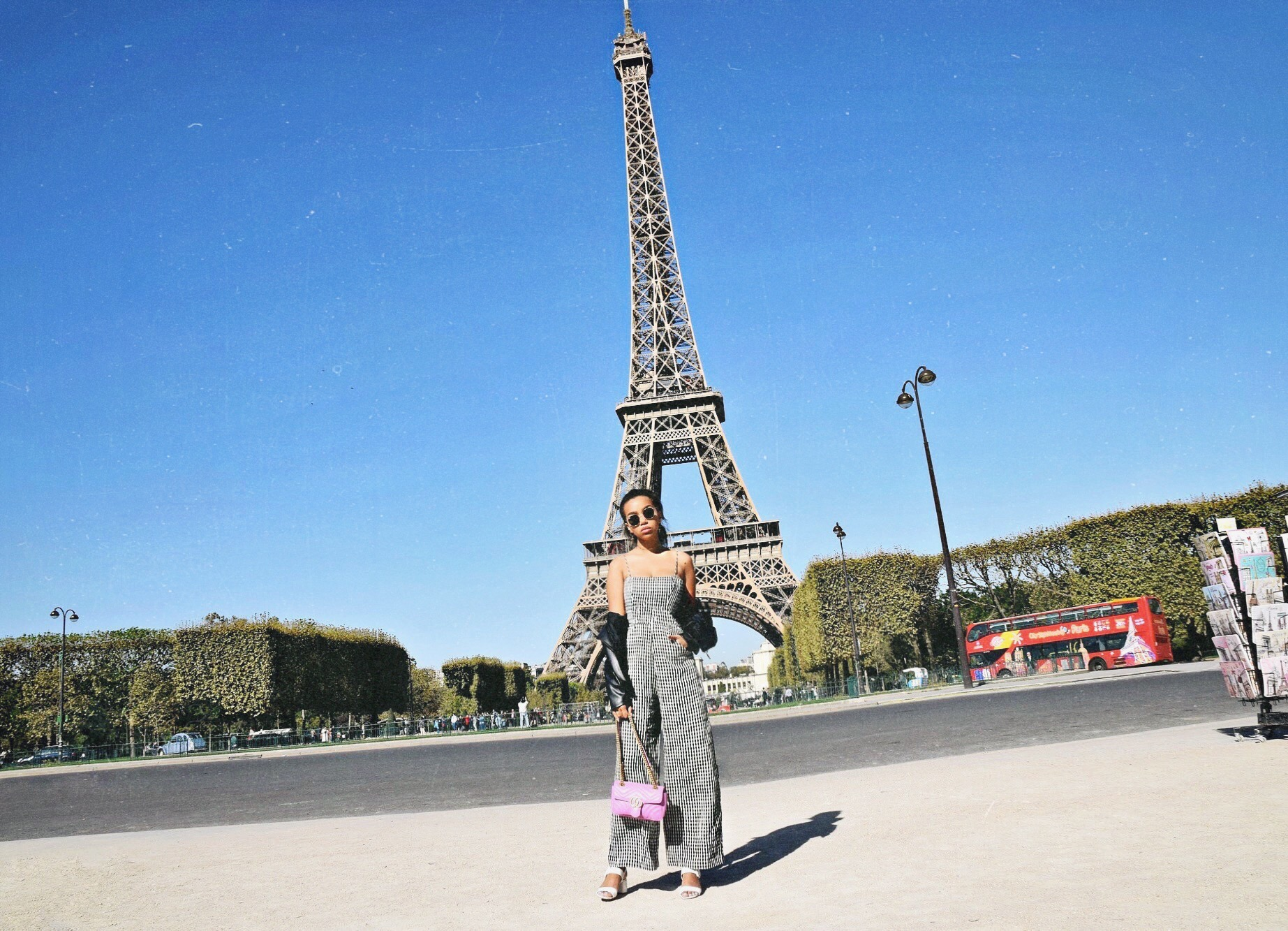 Le Tour Eiffel // The Eiffel Tower, Paris France // Reformation Gingham Jumpsuit // Zara Leather Jacket // Gucci Pink GG Marmont Bag // Round Ray Ban Sunglasses // White Prada Sandals // Paris Travel Diary // Los Angeles Fashion Blogger Daphne Blunt: To Style, With Love