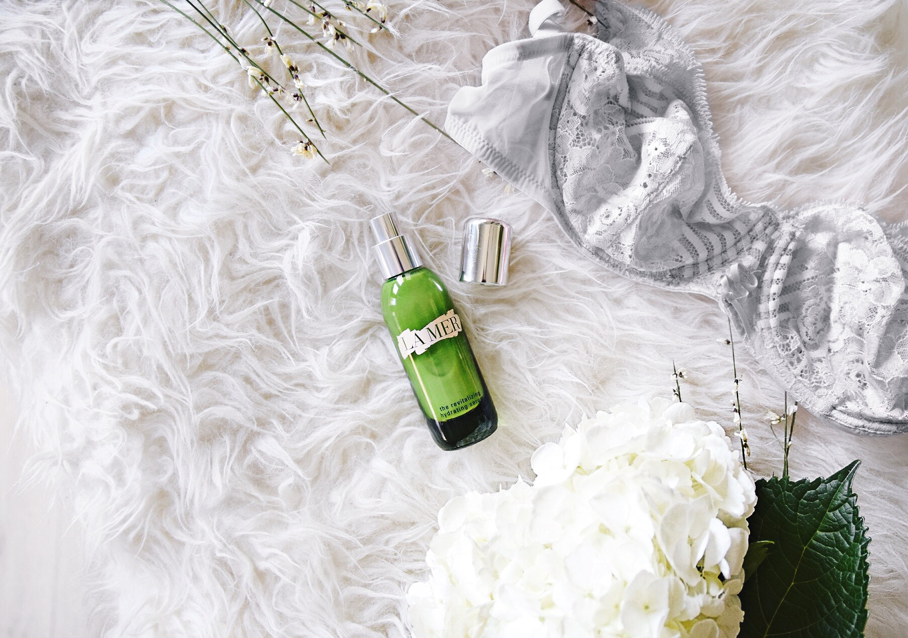 On My Vanity | La Mer // La Mer Revitalizing Hydration Serum // Beauty and Skincare Blogger // La Mer Skincare Products // Los Angeles Fashion Blogger Daphne Blunt: To Style, With Love