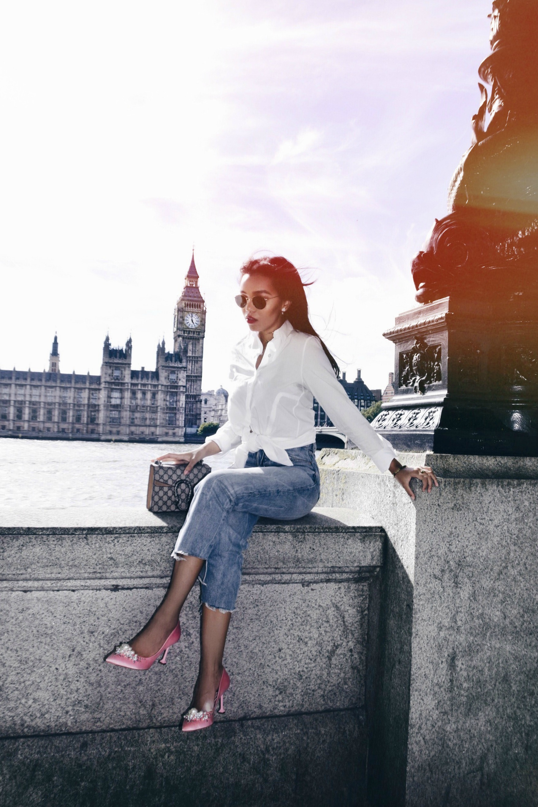 London Bridge // London Travel Diary // GRLFRND Denim Jeans // Acne Studios White Button Up // Pink Pearl & Rhinestone Miu Miu Pumps // Nude Gucci Dionysus Bag // Peggy Porschen's Cakes Bakery // Los Angeles Fashion Blogger Daphne Blunt: To Style, With Love
